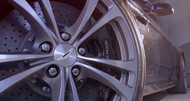 AstonMartin_brakes